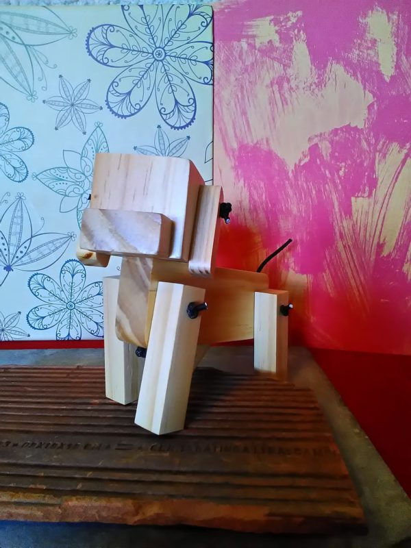 Cachorro de madeira