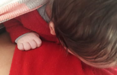 foto de bebê no sling